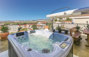 Holiday rental - Split-Podstrana, Croatia - CDC200