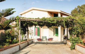 Holiday home - C.da Cancellieri-Playa Grande, Italy - ISS693