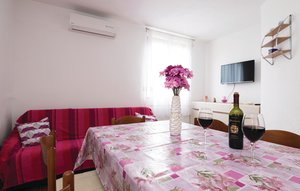 Apartment In Pridraga