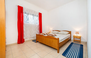 Apartment In Jasenice