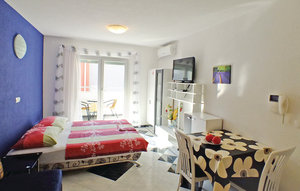 Apartment In Makarska
