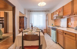Apartment In Valbandon