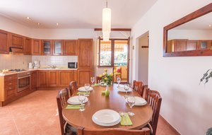 Photo of Apartment In Valbandon, Apartment In Valbandon