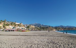 Apartment In Nerja thumbnail 5