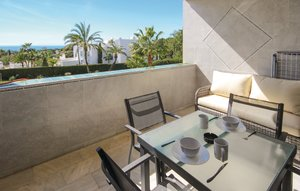 Apartment In Marbella-las Chapas thumbnail 2