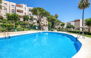 Apartment In Riviera Del Sol thumbnail 3