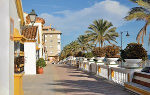 Apartment In Estepona thumbnail 8