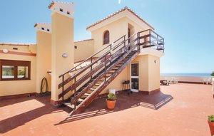 Apartment In Estepona thumbnail 3