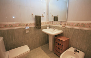 Apartment In Fuengirola thumbnail 5