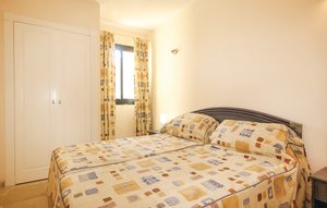 Apartment In Calahonda, Mijas Costa thumbnail 7