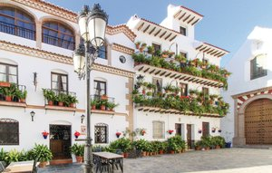 House In Canillas De Albaida thumbnail 7