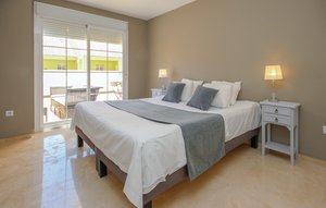Apartment In Estepona thumbnail 1