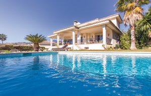 House In Nueva Andalucia thumbnail 1