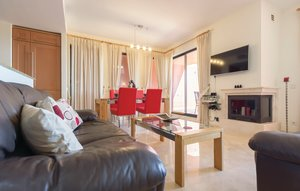 Apartment In Calahonda thumbnail 4