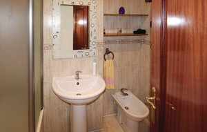 Apartment In Nerja thumbnail 7