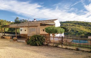 House In Villanueva De La Conce thumbnail 1
