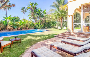 House In Marbella thumbnail 7