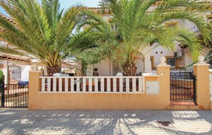 House In El Pinet thumbnail 1