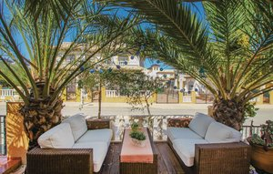 House In El Pinet thumbnail 3