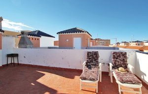 Apartment In La Mata thumbnail 2