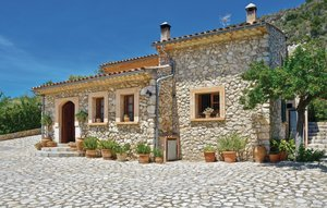 House In Mancor De La Vall thumbnail 3