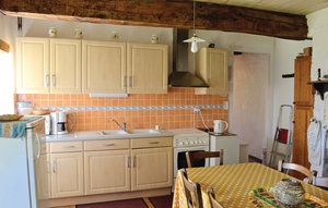 House In Sorges thumbnail 4