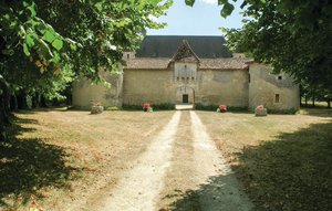 House In Sorges thumbnail 7