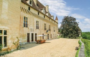 House In St Martin Des Combes thumbnail 5