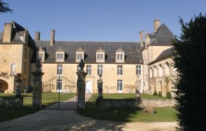 House In St Amand De Coly thumbnail 6