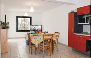 Apartment In Lanester thumbnail 2