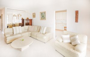 Apartment In Grasse thumbnail 4