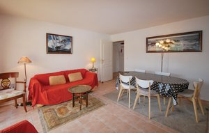 Apartment In Saint Raphael thumbnail 5