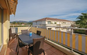 Apartment In Saint Raphael thumbnail 7