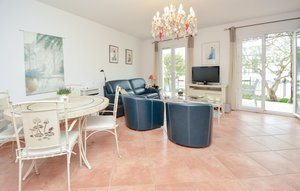 House In Aigues-mortes thumbnail 3