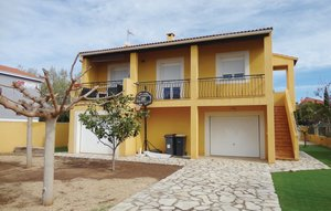 House In Agde thumbnail 5