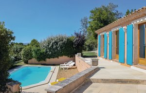 House In Roussillon thumbnail 4