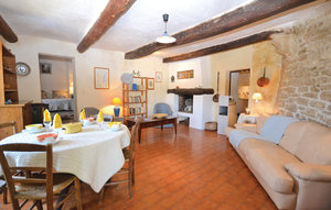 Apartment In Bonnieux thumbnail 3