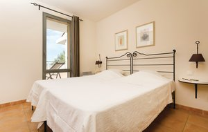 Apartment In Saumane De Vaucluse thumbnail 1