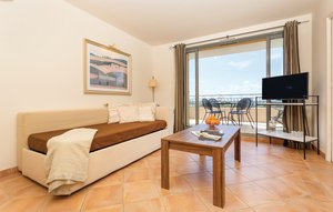 Apartment In Saumane De Vaucluse thumbnail 3