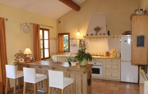 House In Pernes Les Fontaines thumbnail 2