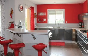 House In Sorgues thumbnail 3