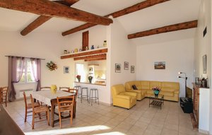 House In Caromb thumbnail 2