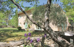 House In Lacoste thumbnail 3