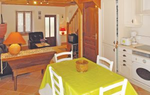 House In St. Fortunat S Eyrieux