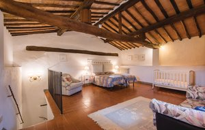 Apartment In Castellina In Chianti thumbnail 8