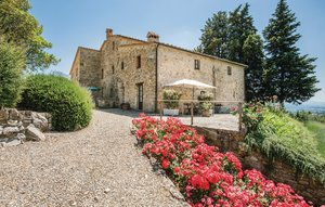 Apartment In Castellina In Chianti thumbnail 2