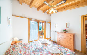 Apartment In Manerba Del Garda Bs thumbnail 1