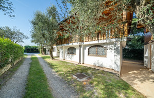 Apartment In Manerba Del Garda Bs thumbnail 2