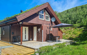 House In Stordal thumbnail 1