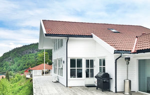 House In Lindesnes thumbnail 1